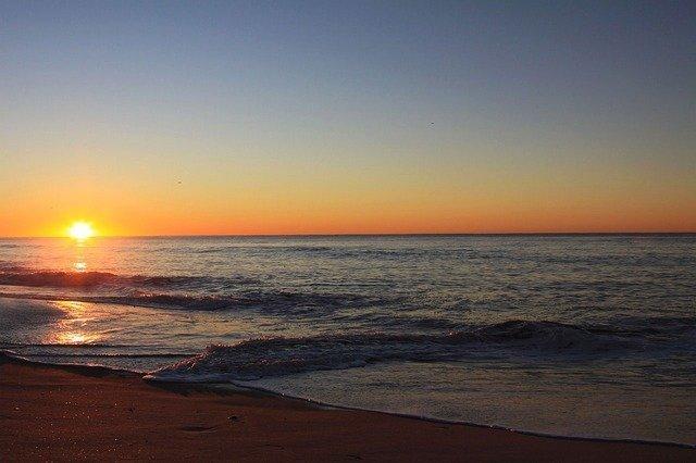 beach-2870_640.jpg