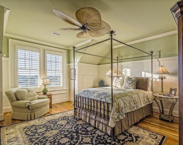 bedroom-389254_640.jpg
