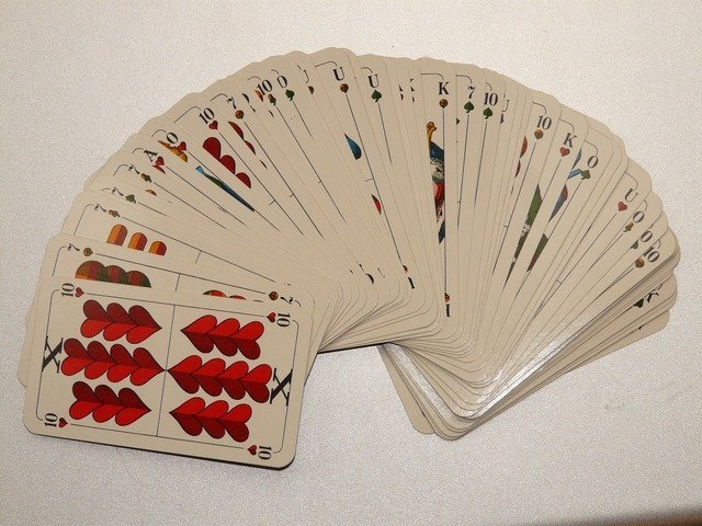 card-game-811_640.jpg