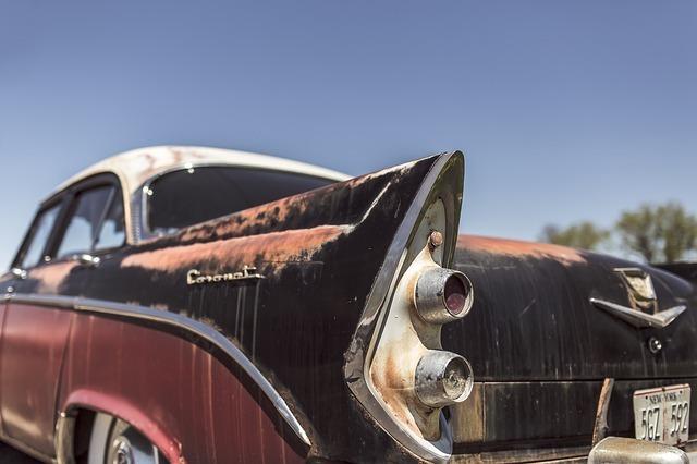 classic-car-362176_640.jpg