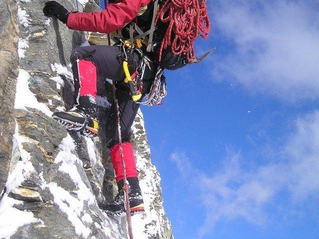 climb-941_640.jpg