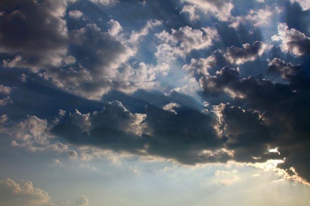 clouds-2637_640.jpg