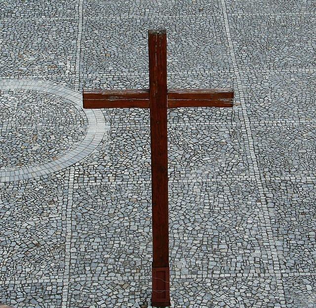 cross-2442_640.jpg