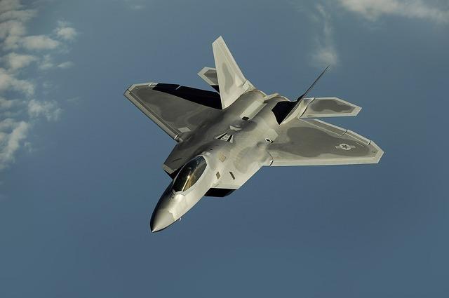 fighter-jet-63032_640.jpg