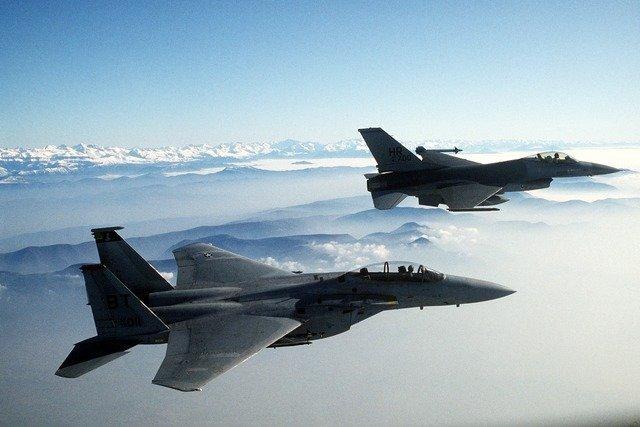 fighter-jets-1008_640.jpg