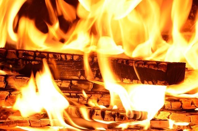 fire-227291_640.jpg