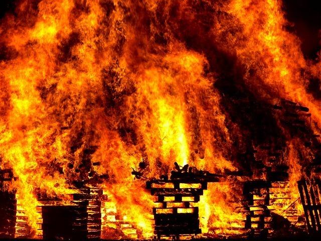 fire-298105_640.jpg