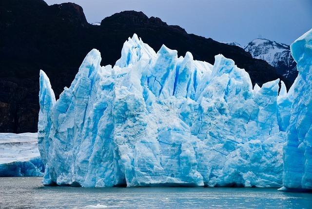 glacier-1740886_640.jpg
