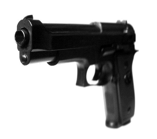gun-2089_640.jpg