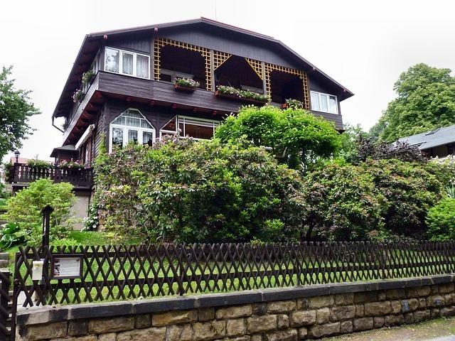 house-54907_640.jpg
