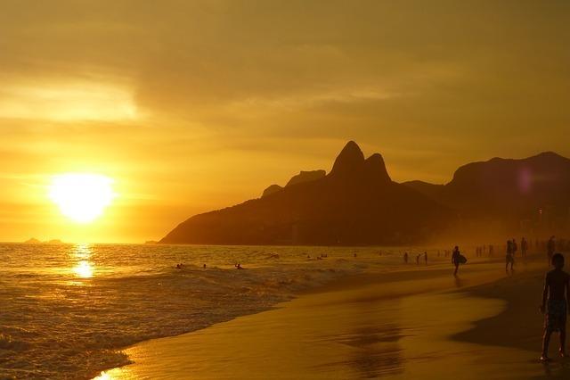 ipanema-beach-99388_640.jpg