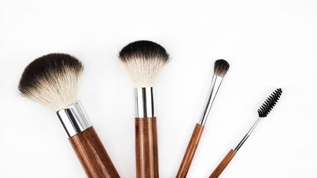 makeup-brush-1746322_640.jpg