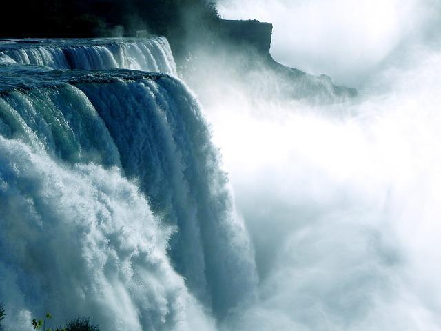 niagara-falls-218591_640.jpg