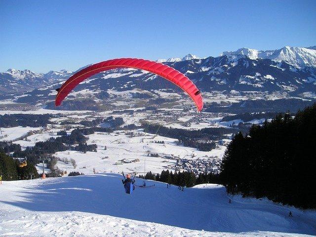 paragliding-557_640.jpg