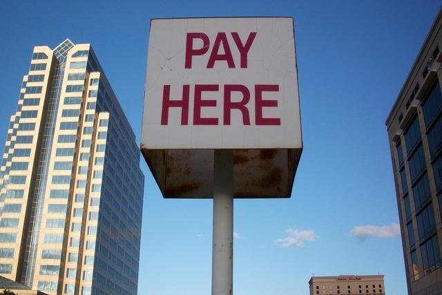 pay-here-241_640.jpg