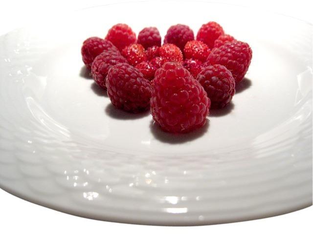 raspberries-1117_640.jpg