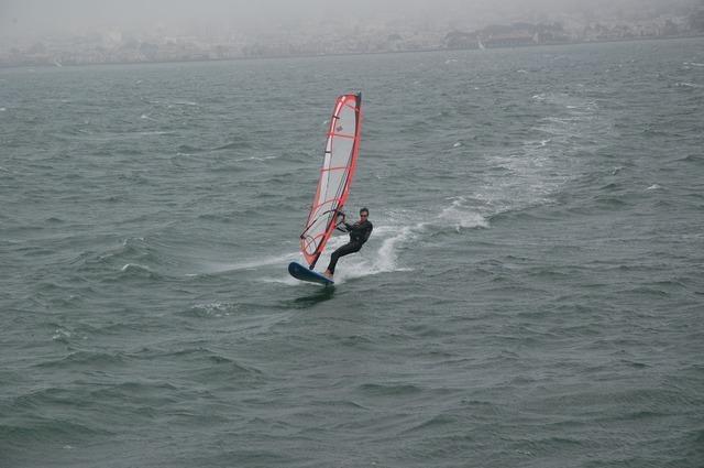 sailboard-2432_640.jpg