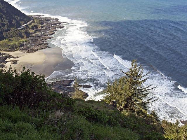 shoreline-56579_640.jpg