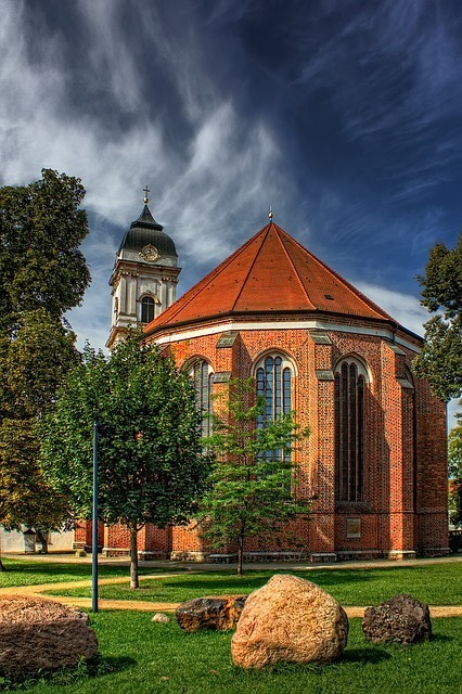 st-marys-cathedral-180865_640.jpg