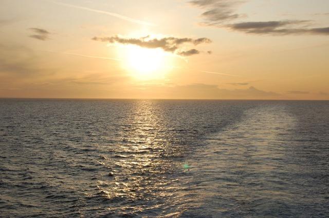 sunset-2300_640.jpg