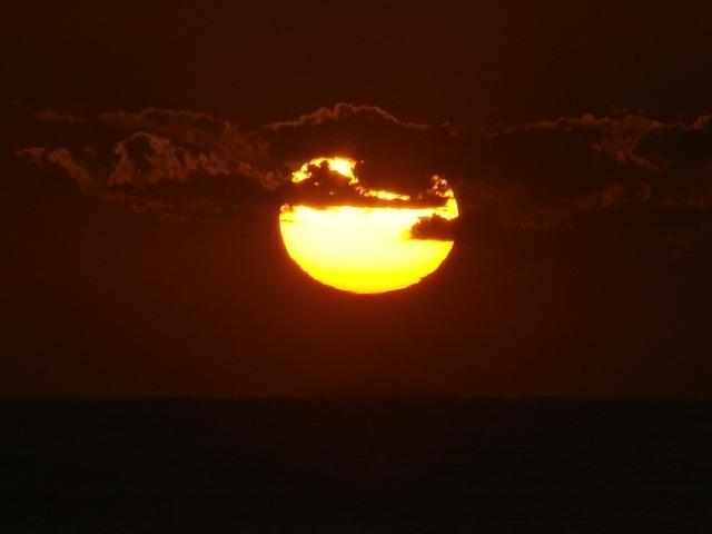 sunset-56733_640.jpg