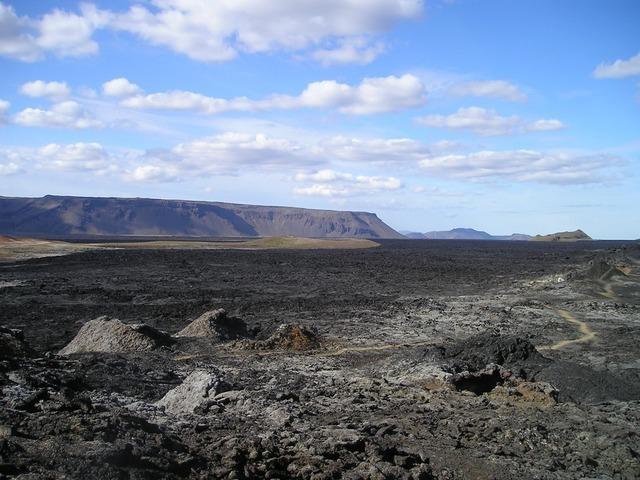 volcano-271_640.jpg