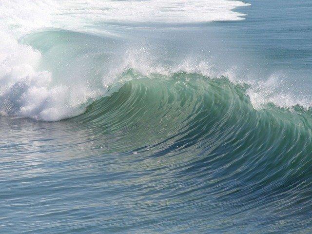 wave-2189_640.jpg