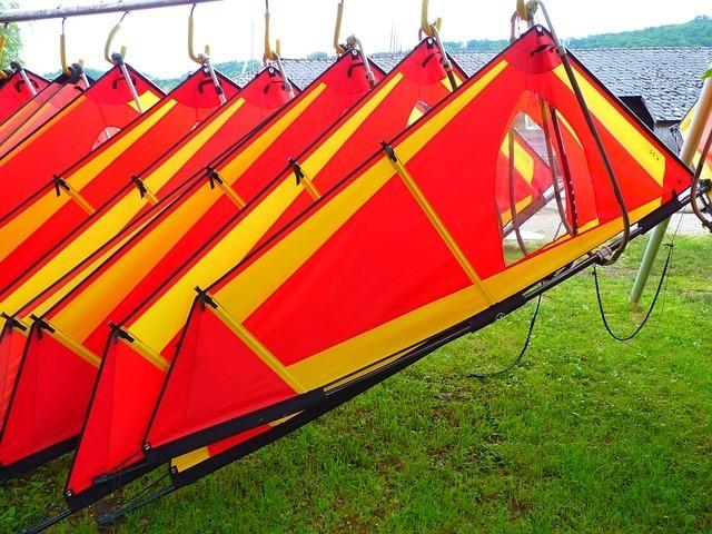 wind-surfing-51881_640.jpg