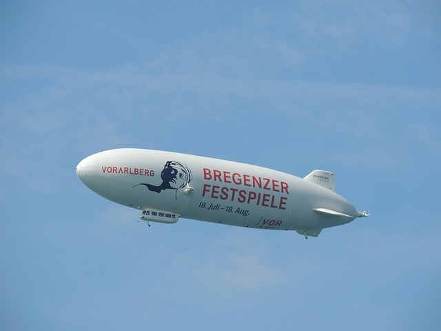 zeppelin-56400_640.jpg